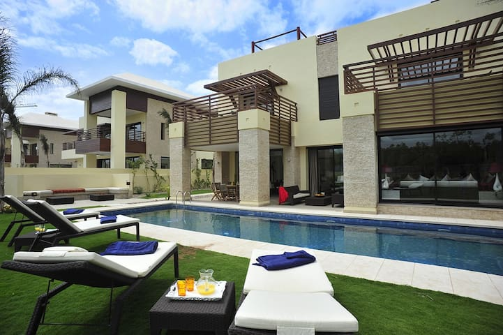 Luxurious and  Spacious Villa.
