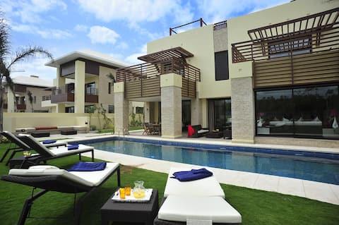 Luxurious and  Spacious Villa.