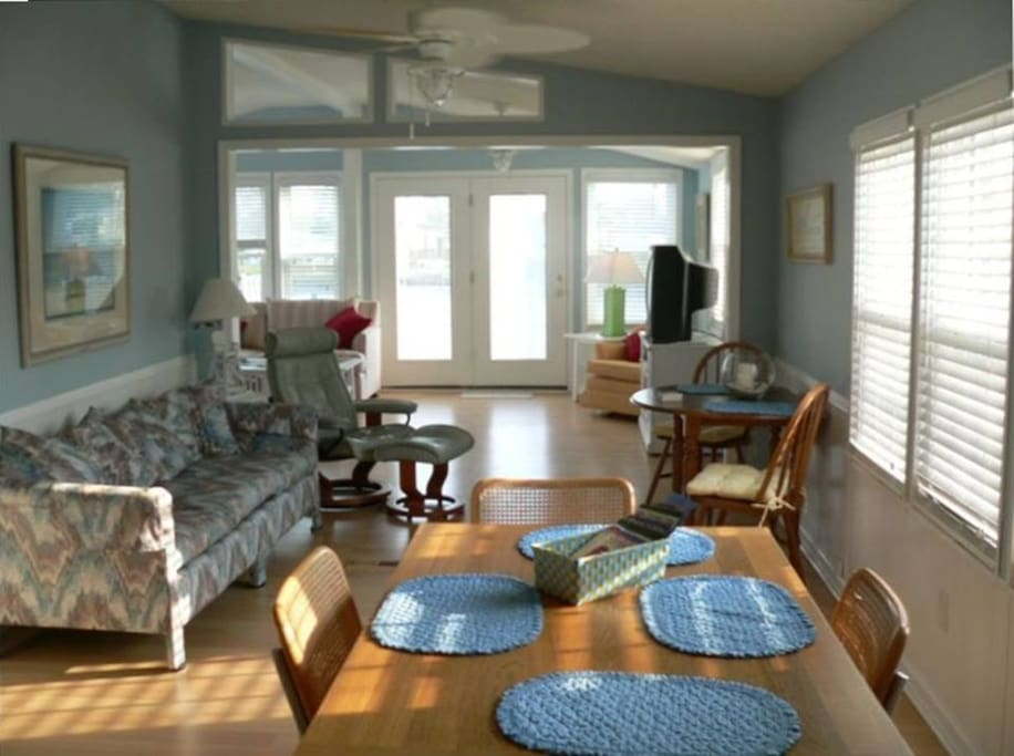 Open Floorplan with tons of windows and light!