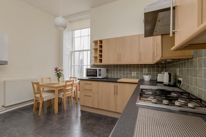 Spacious North St Andrew's Street apartment