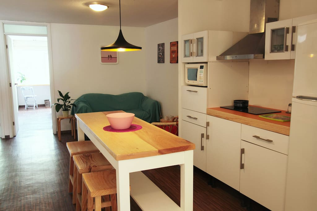 Living Room / Kitchen Sala / Cocina