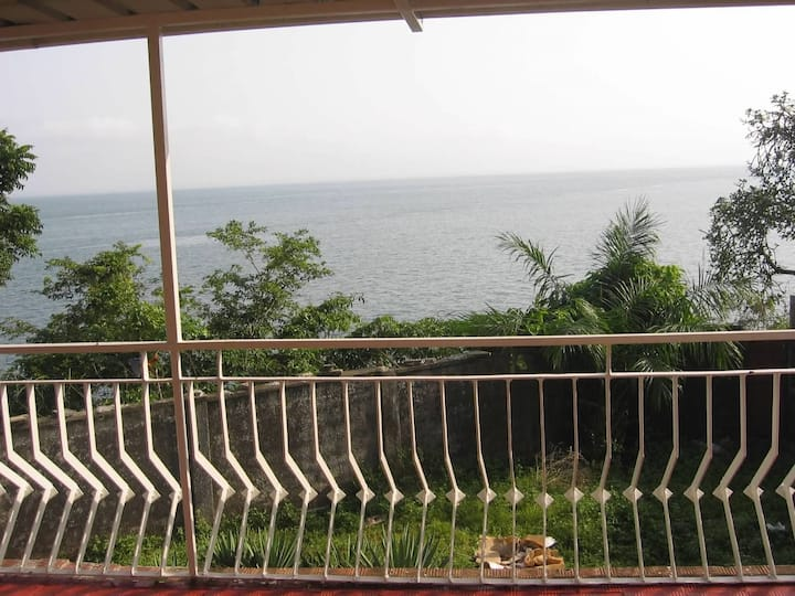 Wonderful house with great ocean view.GREAT FIND!!