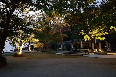 Private Paradise- Ligpo Beach Front