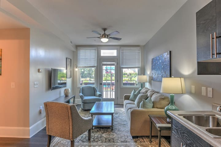 Charming, Newly Renovated 2 bdr. condo in Historic King James Building