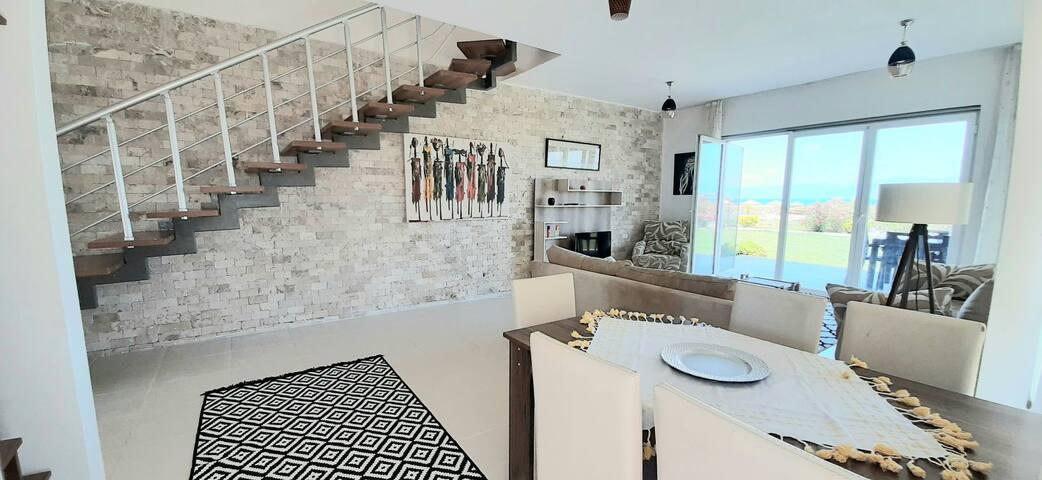 -6- YENİ ! Ayvalik'ta DENİZE SIFIR lüks Villa BT