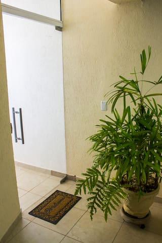 Aconchegante Apartamento no centro de Mairiporã