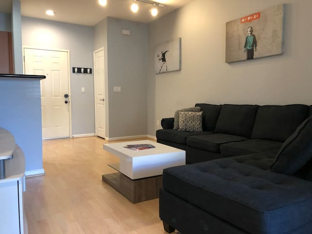 Long Term Stay Modern Condo in Anaheim