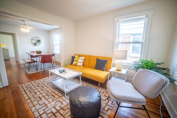 NEW - The Mod Apartment - CENTER OF KC!