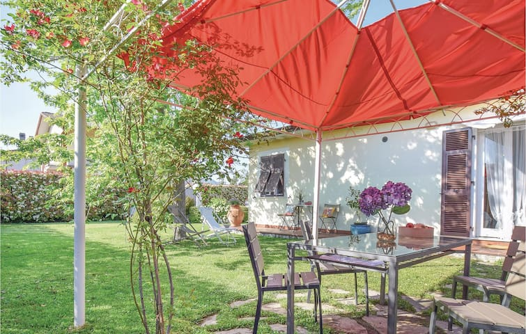 Holiday cottage with 2 bedrooms on 89m² in Santo Stefano di Magra