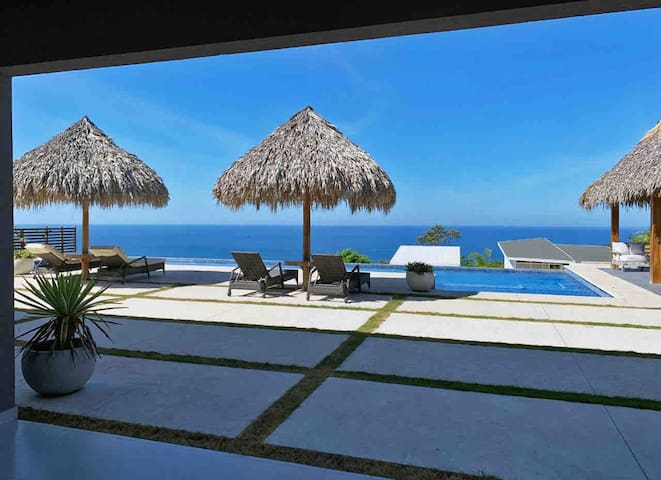 Casa Real - Luxury Oceanview House Santa Teresa