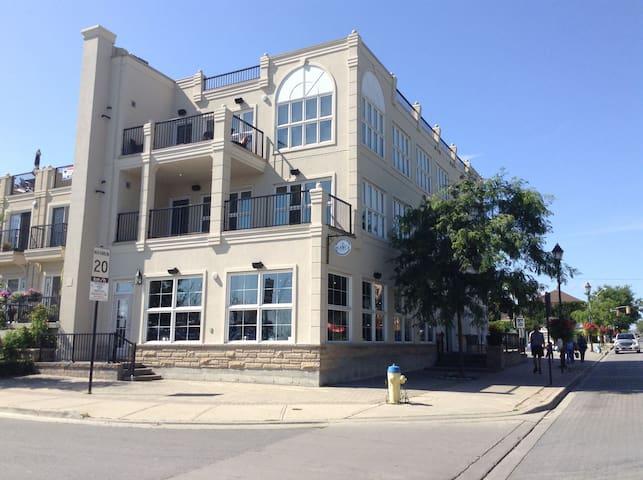Cobourg Beach Walk Luxury Suites - Cobourg - Condominium