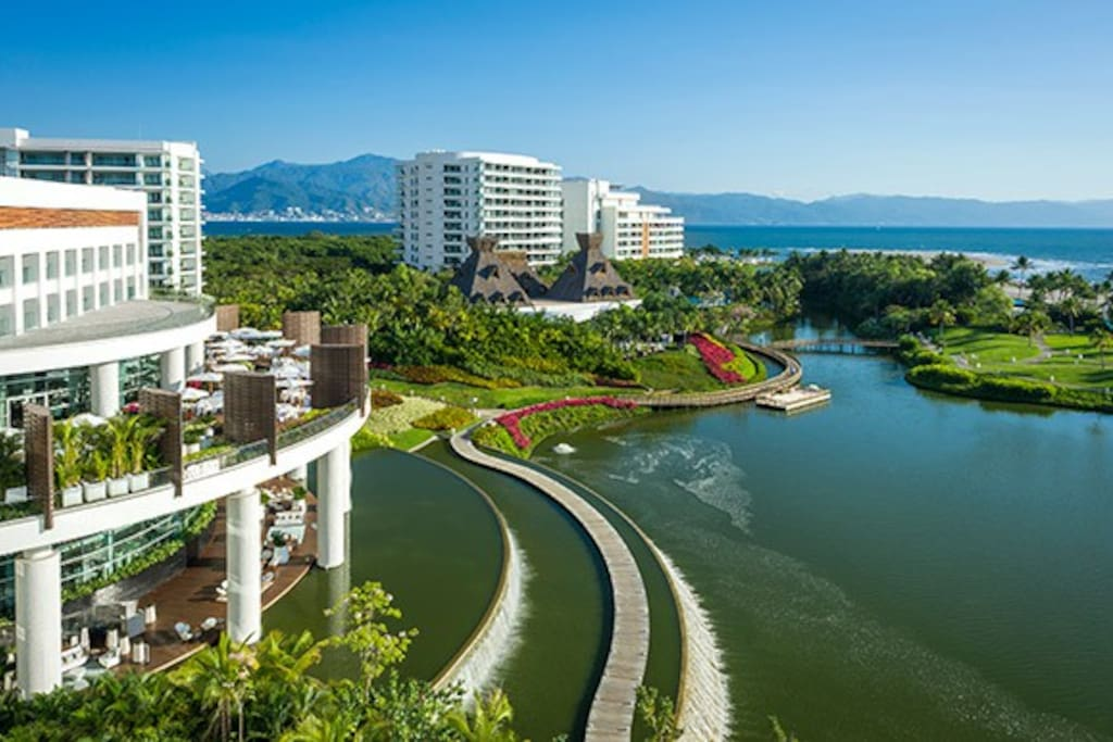 Vidanta Nuevo Vallarta offers the ultimate resort vacation. As the biggest of the Vidanta destinations, it has been carefully cultivated to provide a high-end experience full of options: 40 plus restaurants and lounges to try, three golf courses and a golf academy, a shopping plaza, two indulgent spas, beautiful beaches, and countless pools.
