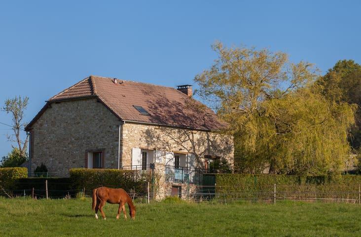 Elégante maison au cœur du parc naturel - Nanteuil-la-Forêt - Casa