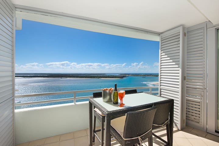 The Grand Apartments - 2 Bedroom WATERVIEW apt