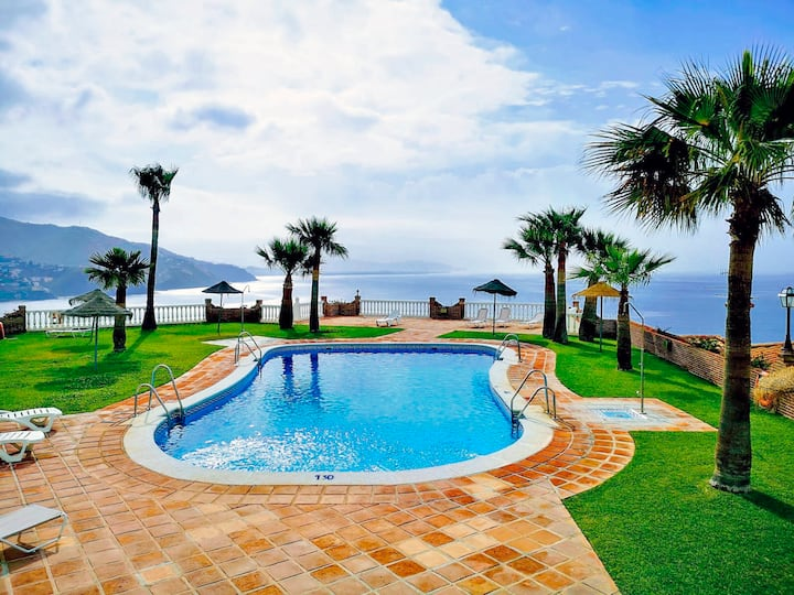 Cozy SeaView House - Swiming pool - Garage - WIFI