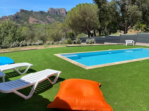 Studio familial pour 4 personnes en RDJ dans villa
