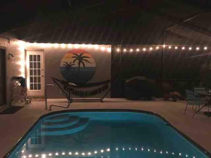 3 Bedroom Pool Home - Fenced in, Pets Welcome!