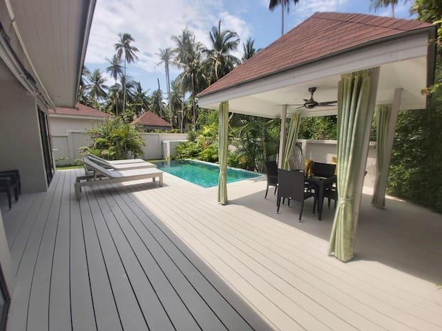 Tropical 2 Bedrooms Pool Villa