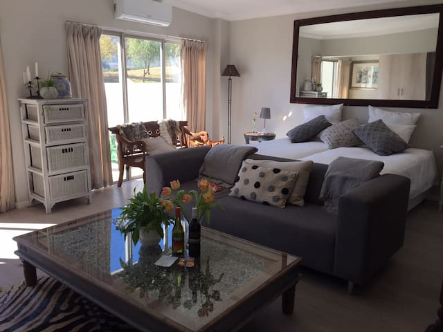 Golfers Paradise, Self-Catering Apartment