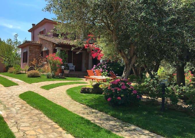 Villa Meravigliosa con Giardino - Loiri