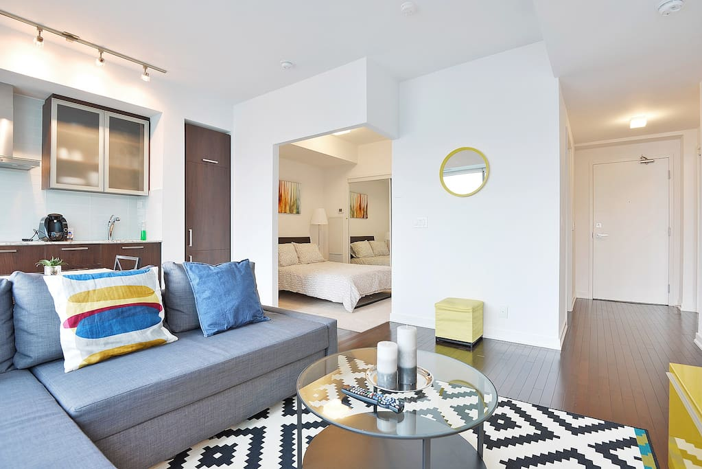 Modern Two Bedroom In Downtown Apartments For Rent In Toronto Ontario Canada