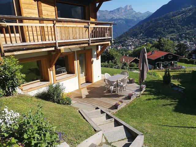 Appartement dans chalet avec terrasse et jardin