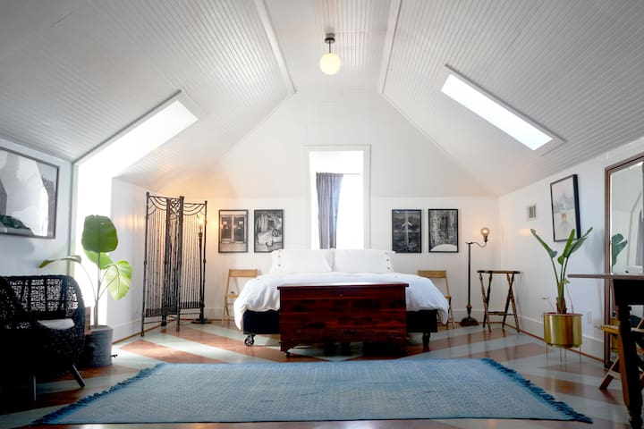 Unique Loft style studio in Historical space