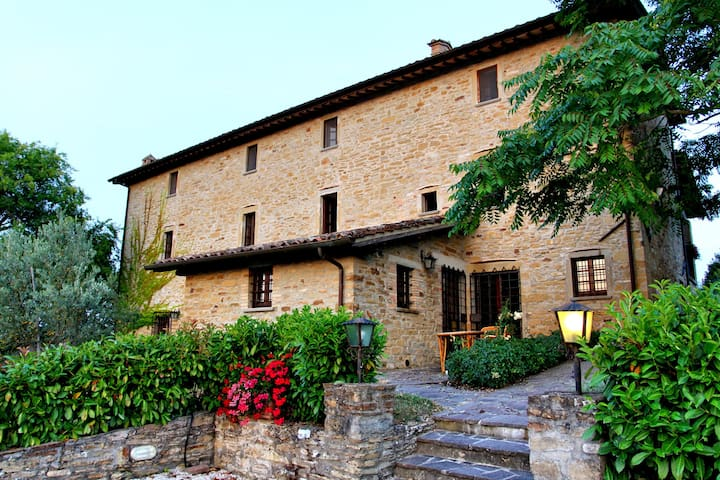 Amazing villa in the countryside of Umbria - Monte Castello di Vibio - House