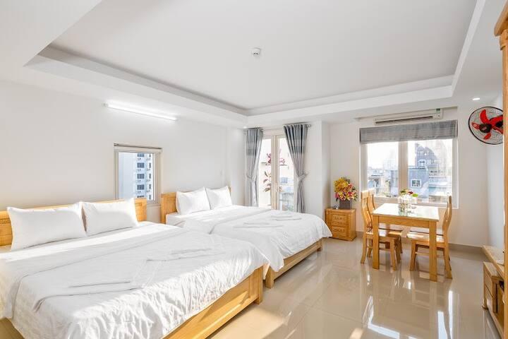 Thanh House room with balcony near beach