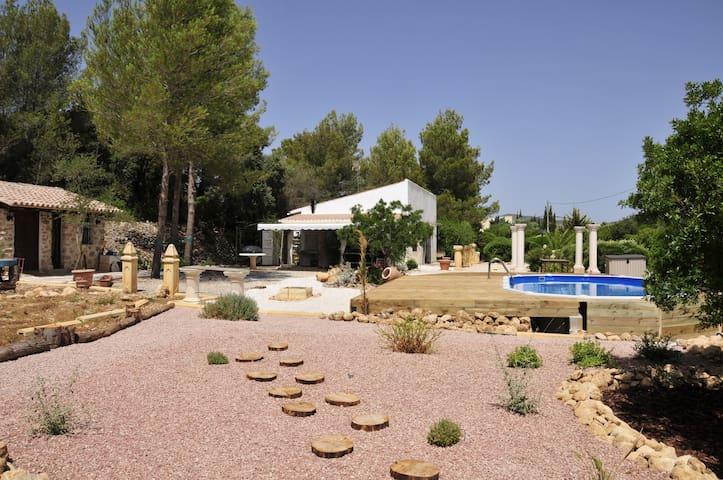 maison de campagne avec piscine et grand jardin - Llíber - Casa