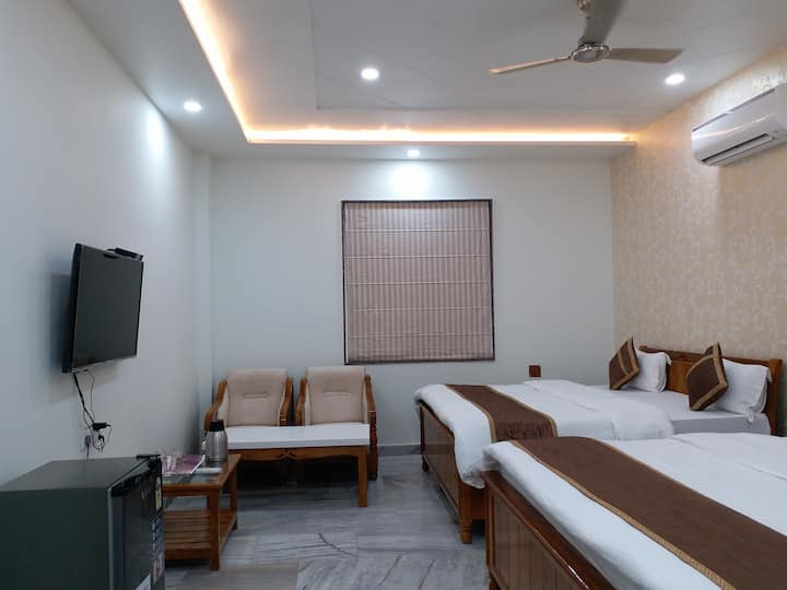 Executive Deluxe Family Room near Assi Ghat,