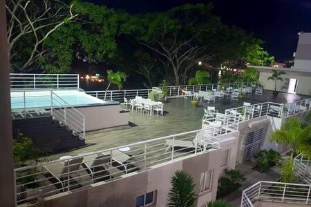 Riviera Colonial