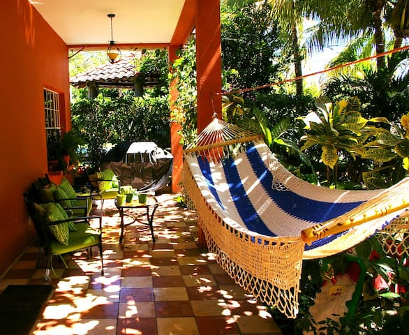 Private Room within a Nice Home  - La Libertad, El Salvador