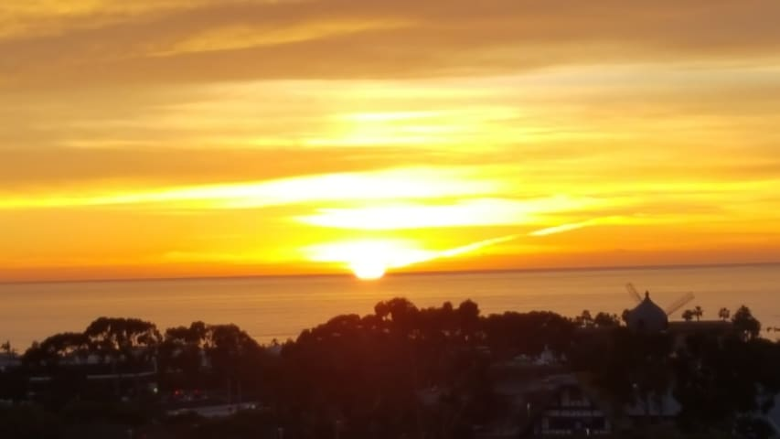 CARLSBAD Ocean View - Private Condo- 2 BR/2BA