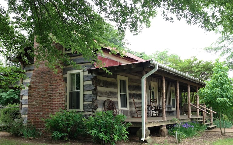 The Holly House log cabin - Alamo - Penzion (B&B)