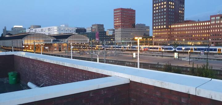 Across station Hollandse spoor
