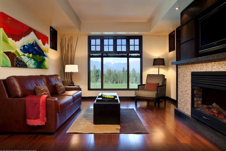 Modern 1 Bedroom Condo with Amazing Amenities