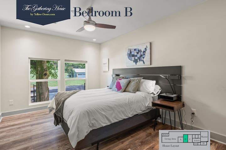 Bedroom B with Queen bed