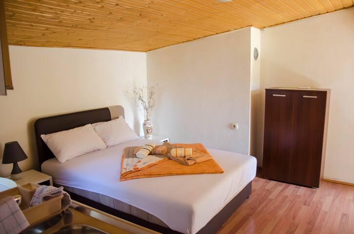 Studio/apartman Milena