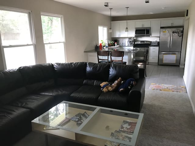 Uniques Oasis in the Heart of WDM