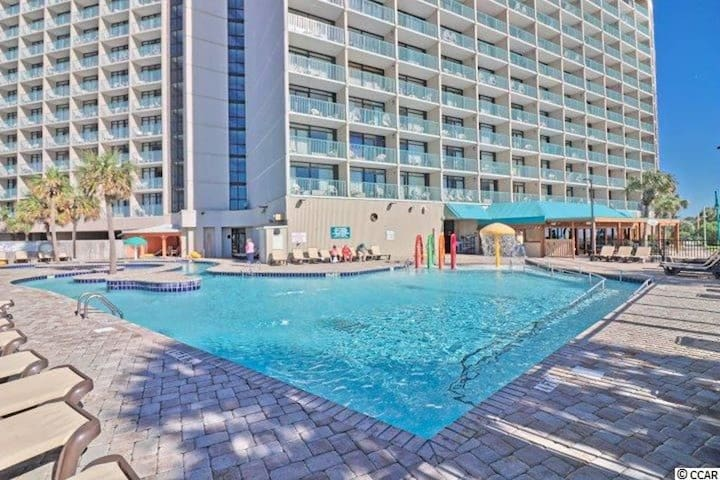 RELAX and Watch the OCEAN from your BALCONY. The View is PERFECT & the Pools are refreshing. Kitchenette, Hot Tubs, Lazy River & More! DPo