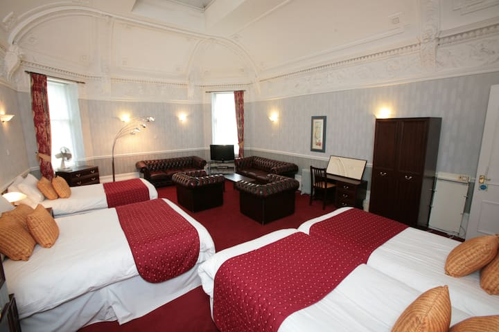 Quad Rooms in Glasgow's vibrant West End
