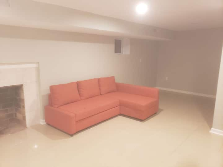 Basement suite by national harbor