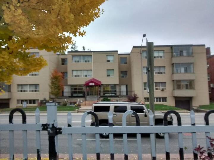 Large One Bedroom in a Walkup Building