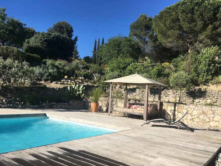 Charming studio  with swimming pool