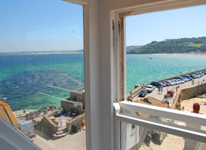Harbourside Stunning 3 Bed house w Panoramic Views