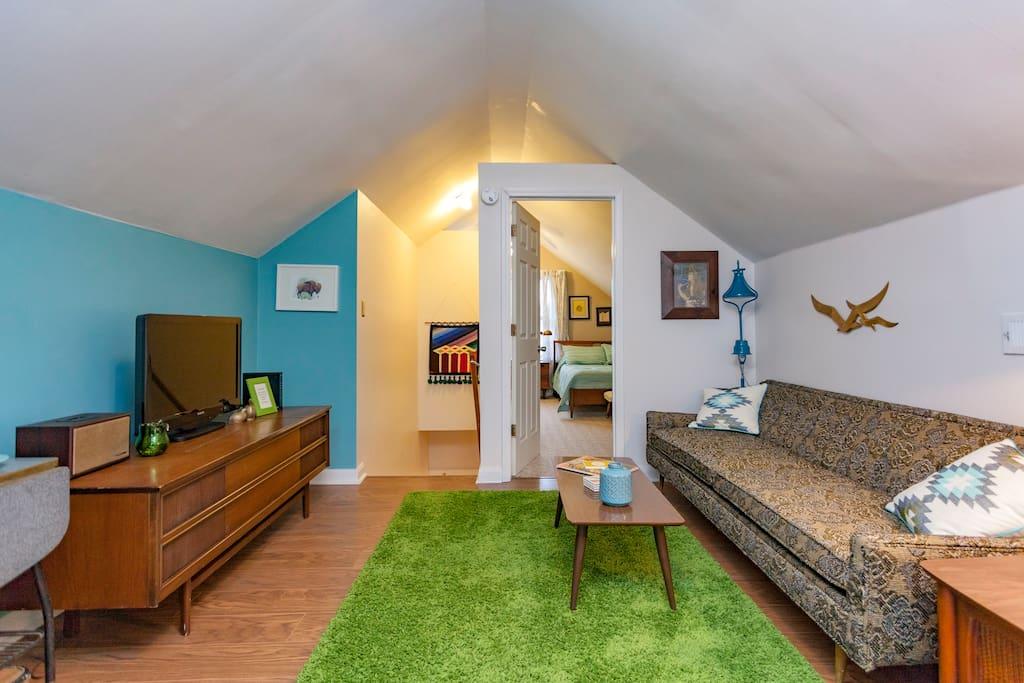 Mid century modern east nash apt casas en alquiler en for Mid century modern furniture nashville