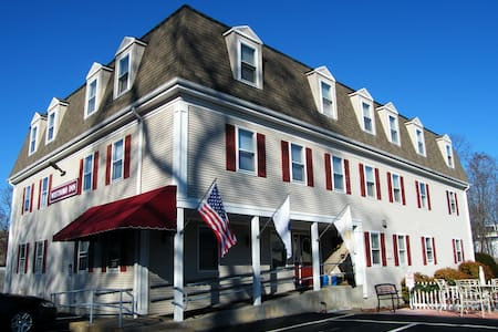 Westborough Inn - Westborough