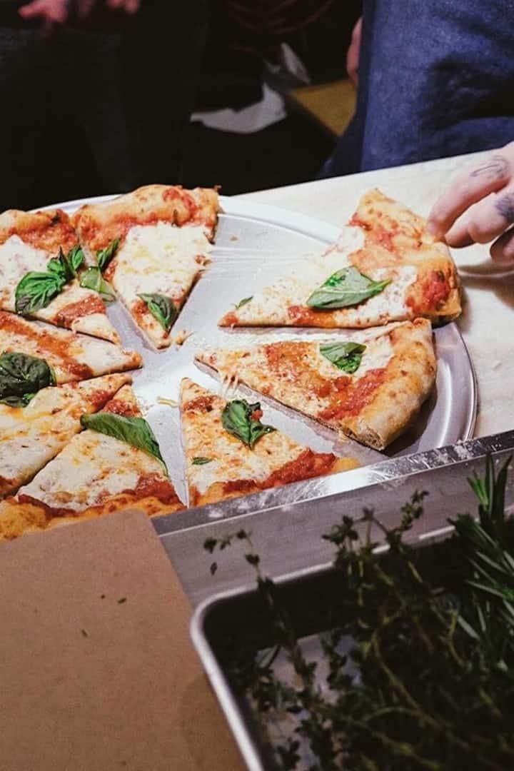 Pizza at Fugazzi