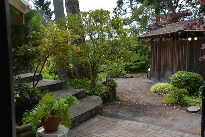 zen garden retreat